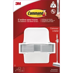 3M Command broom holder