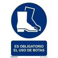 Placa de ES OBLIGATORIO EL USO DE LAS BOTAS NORMALUZ de PVC 297 x 210 mm