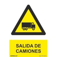 Placa de SALIDA DE CAMIONES NORMALUZ de PVC 300 x 210 mm