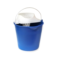 Cubo de plástico con asa metálica y escurridor blanco 12L de capacidad