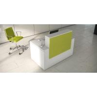 Mostrador de recepción luxe en color pistacho blanco
