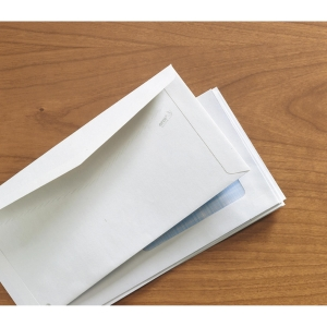 Caja de 500 sobres blancos normalizados de papel Offset de 115 x 225 mm