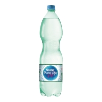 Woda źródlana NESTLÉ Pure Life gazowana, w opakowaniu 6 x 1,5 l