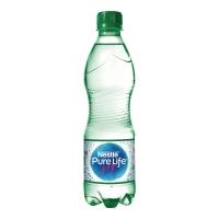 Woda źródlana NESTLÉ Pure Life gazowana, w opakowaniu 12 x 0,5 l