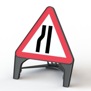 Q Sign Road Narrows N/Side 750 Tri