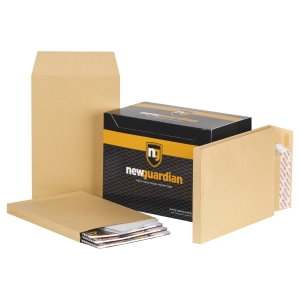 NEW GUARDIAN manilla C4 PEEL AND SEAL GUSSET ENVELOPES 130GSM - BOX OF 100