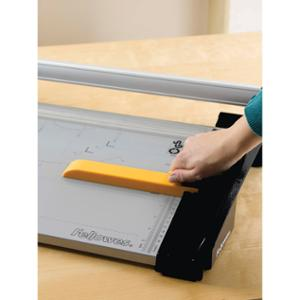 FELLOWES PAPER TRIMMER ATOM A3 - EACH