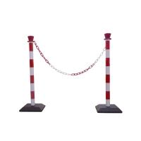 Plastové stĺpiky s reťazou