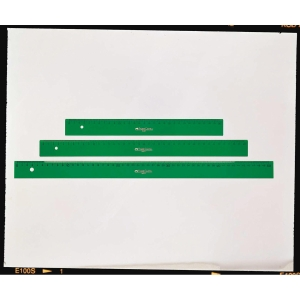 Régua milimetrada FABER CASTELL de 20 cm cor verde