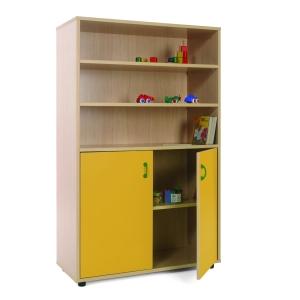 Móvel com estantes e armário com portas amarelas