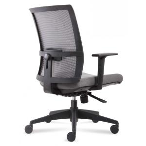 Cadeira Ark com mecanismo sincronizado encosto regulável e apoio lombar