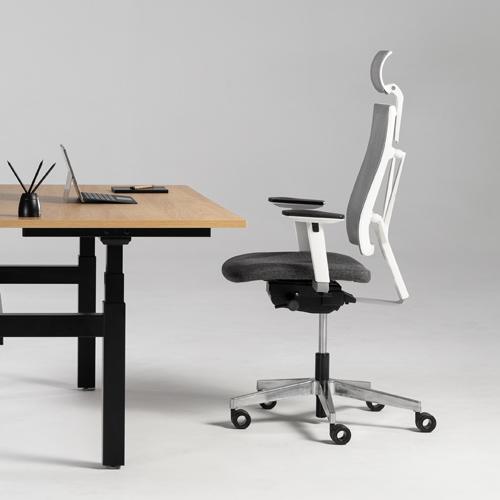 Pamiętaj o ergonomicznym ustawieniu krzesła